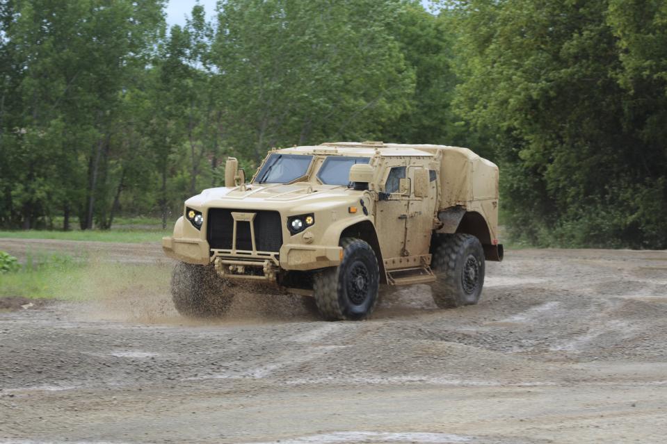 Used Humvee For Sale >> Joint Light Tactical Vehicle (JLTV) vs. Humvee (HMMWV)